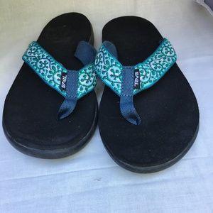 Teva Mush flip flops Green Teal Women Size 9